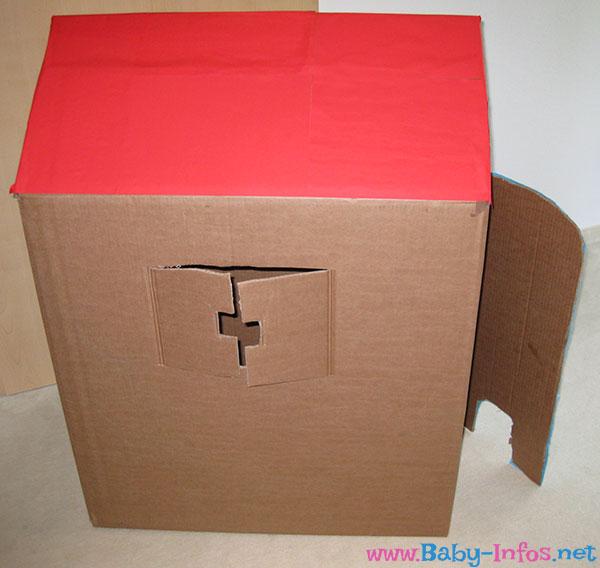 kinder spielhaus basteln aus pappe anleitung mit bildern. Black Bedroom Furniture Sets. Home Design Ideas